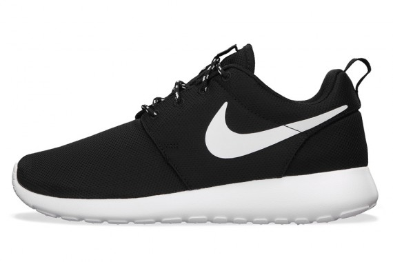 nike-roshe-run-wmns-january-2014-3-570x380